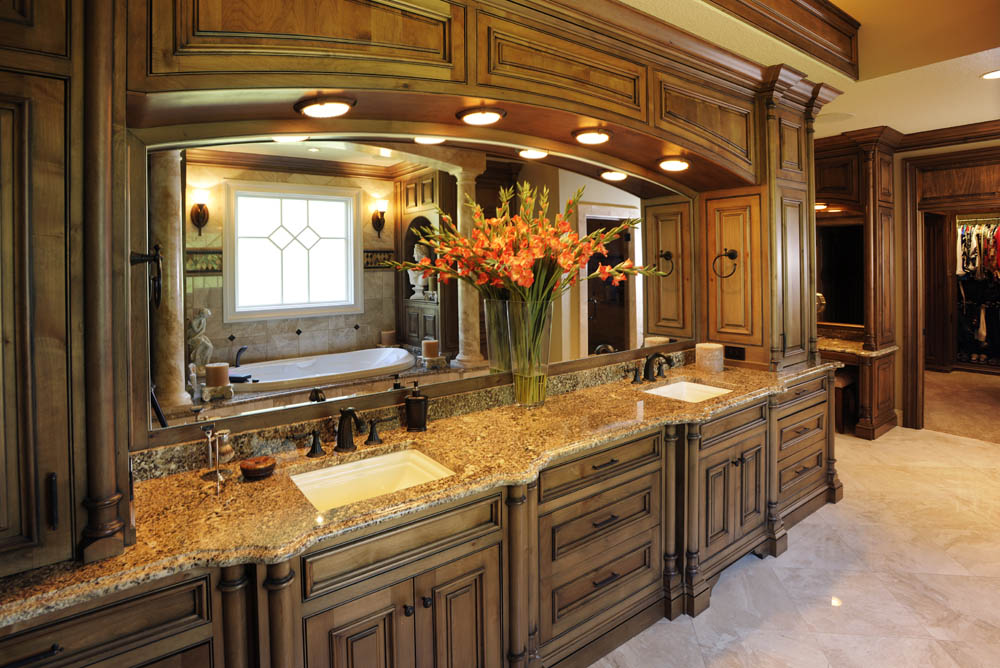 Image of: Bathroom Cabinets Clearance