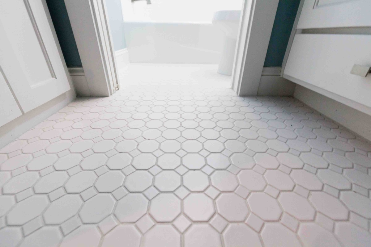 Image of: Bathroom Floor Tiles Cheap