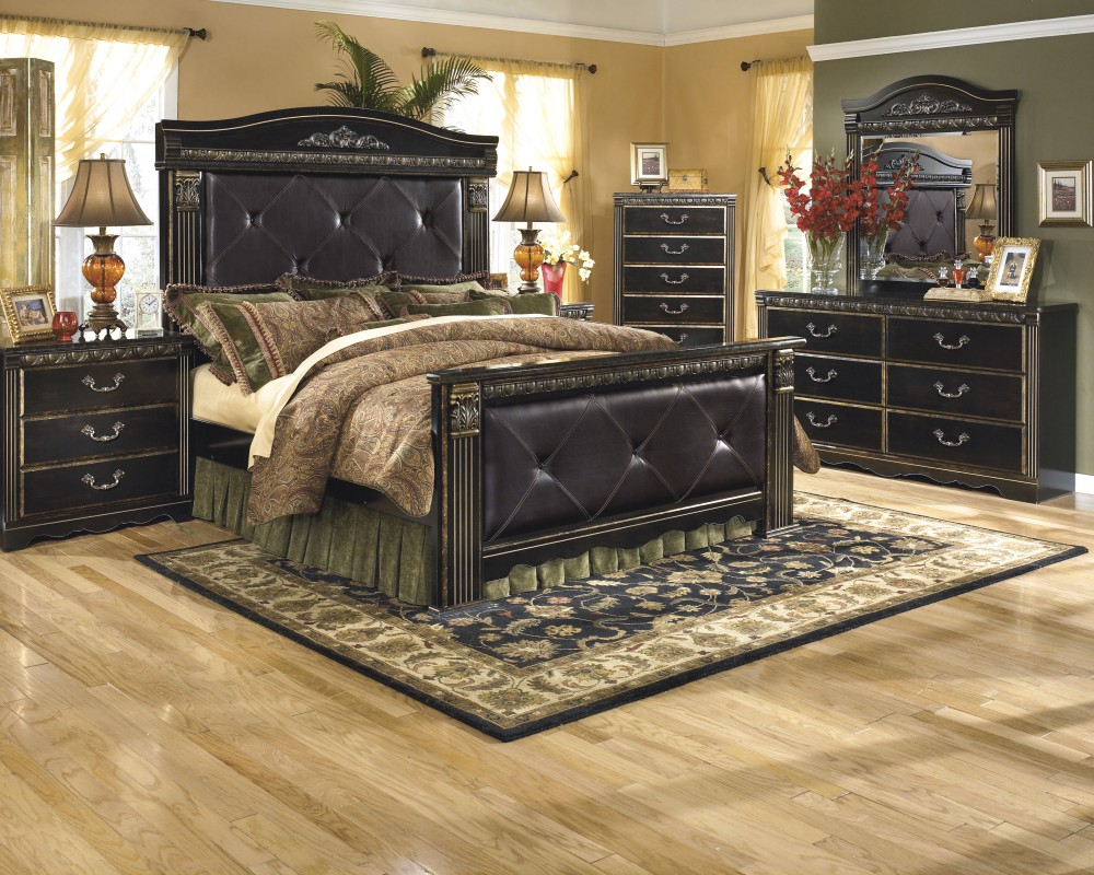 Image of: Bedroom Dressers Decorating