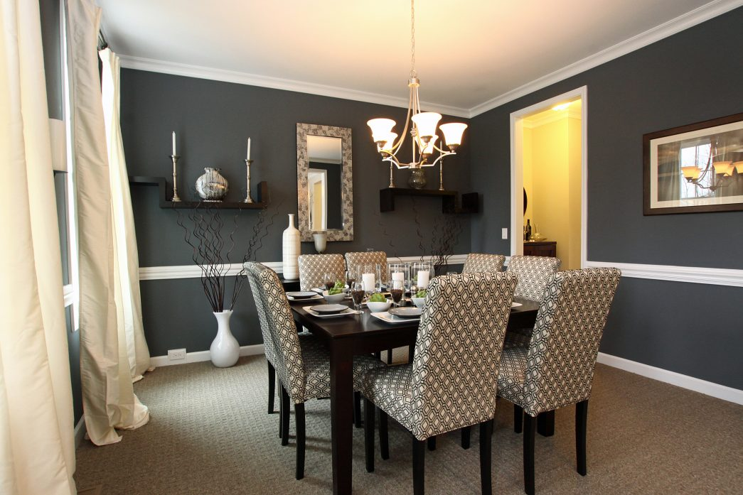 Image of: Casual Dining Room Wall Decor
