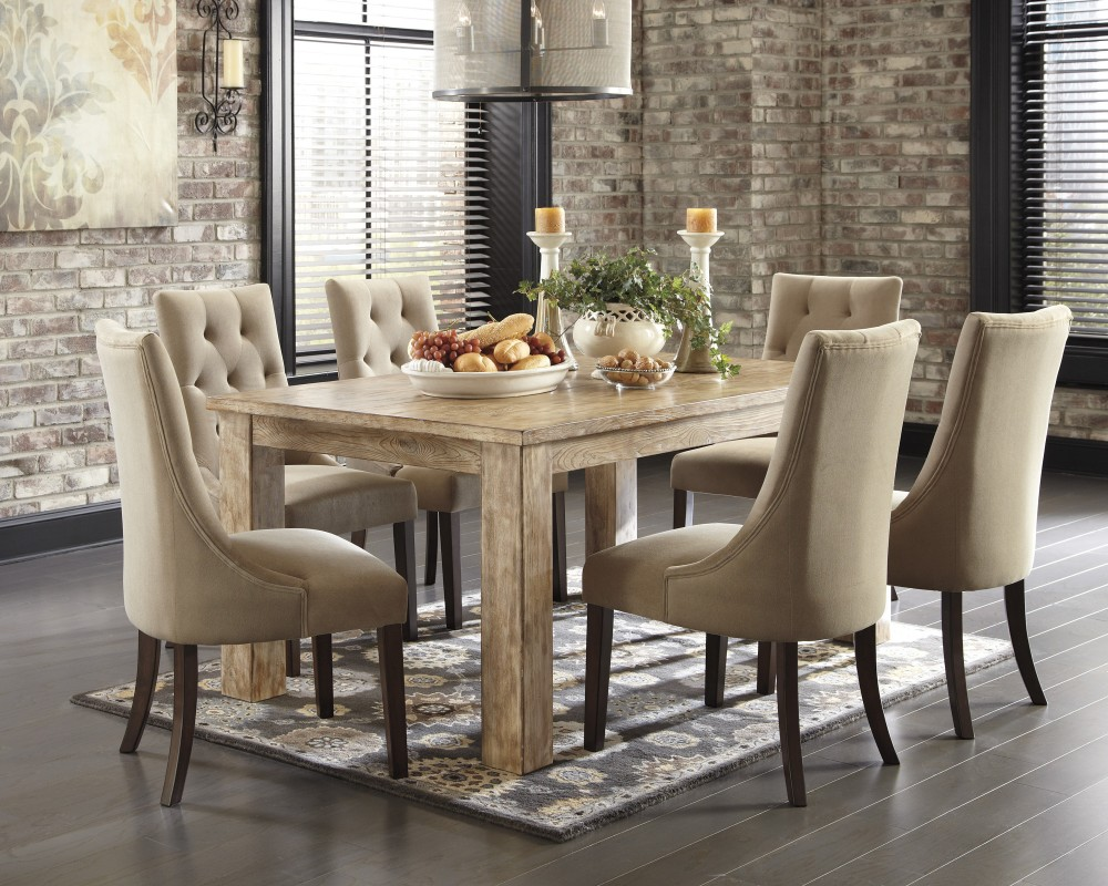 Image of: Dining Room Tables at Rooms to Go