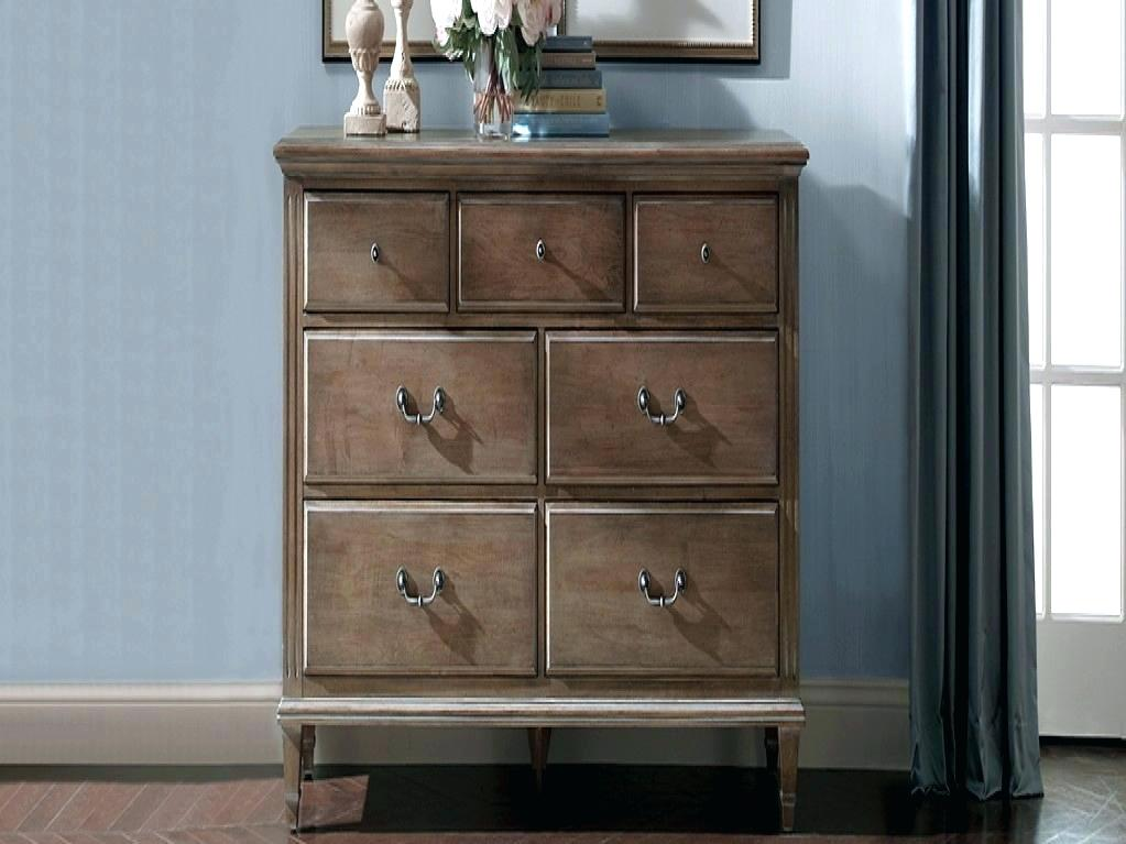 Image of: Elegant Bedroom Dressers