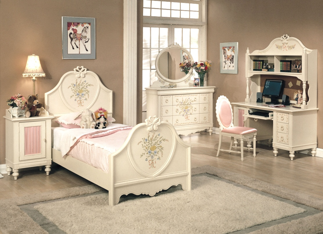 Image of: Girls Bedroom Sets Decor