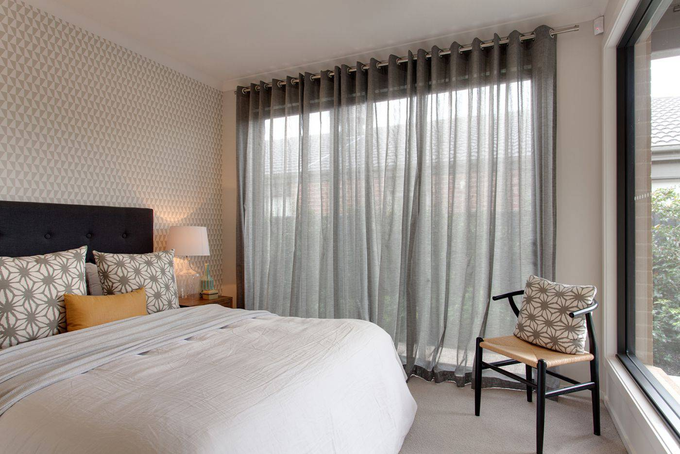 How To Make A Bedroom Curtains