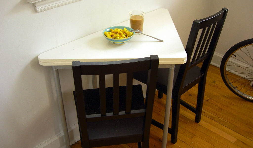 Image of: Kitchen and Dining Room Chairs DIY