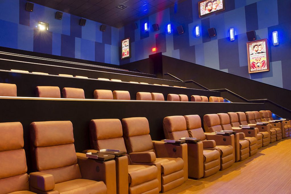 Image of: Living Room Theaters Portland Movie Times