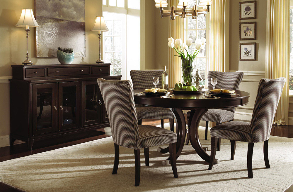 Pictures Of Decorated Round Dining Room Tables