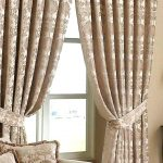 Simple Living Room Curtain Ideas
